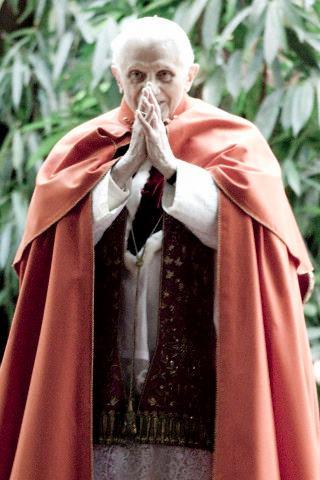 Benedetto XVI incontra la gioventù di Taize