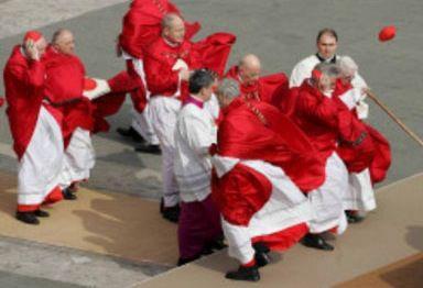 Scompiglio fra i cardinali